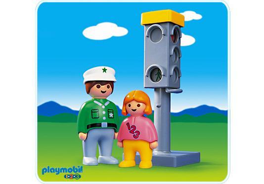 http://media.playmobil.com/i/playmobil/6729-A_product_detail/Policier / enfant/ feu tricolore
