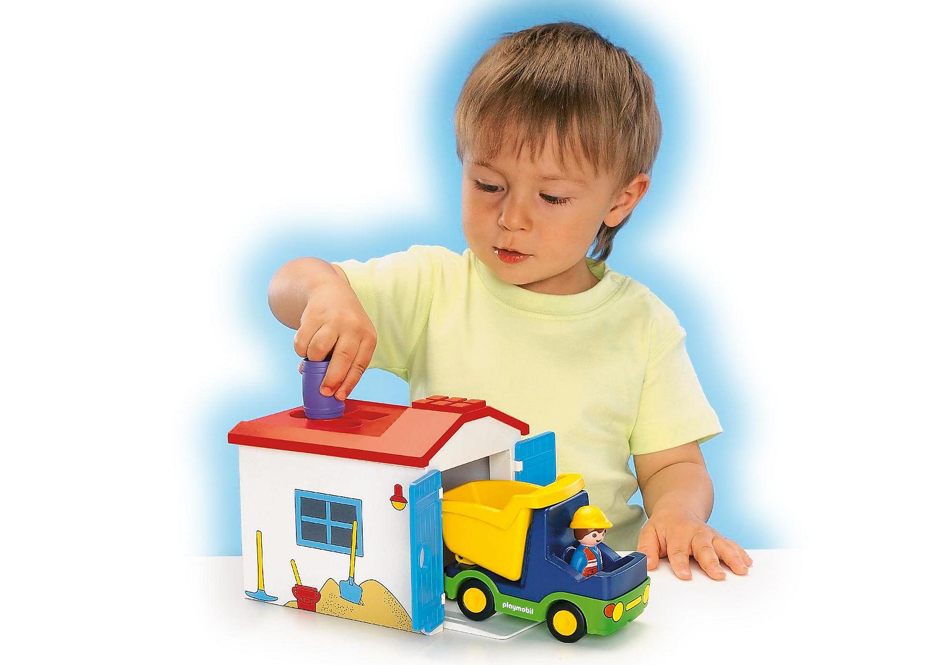 http://media.playmobil.com/i/playmobil/6759_product_extra2/1.2.3 Camión con Garaje