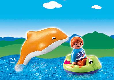 6762-A Garçon avec dauphin et bouée detail image 1