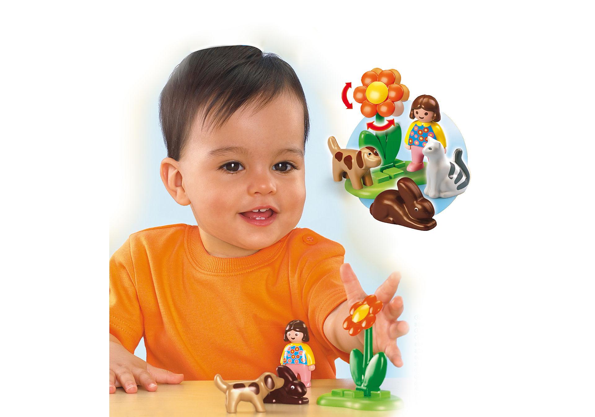 http://media.playmobil.com/i/playmobil/6763-A_product_box_back/Mädchen mit Haustieren