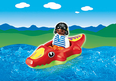 6764-A Fillette avec bateau crocodile