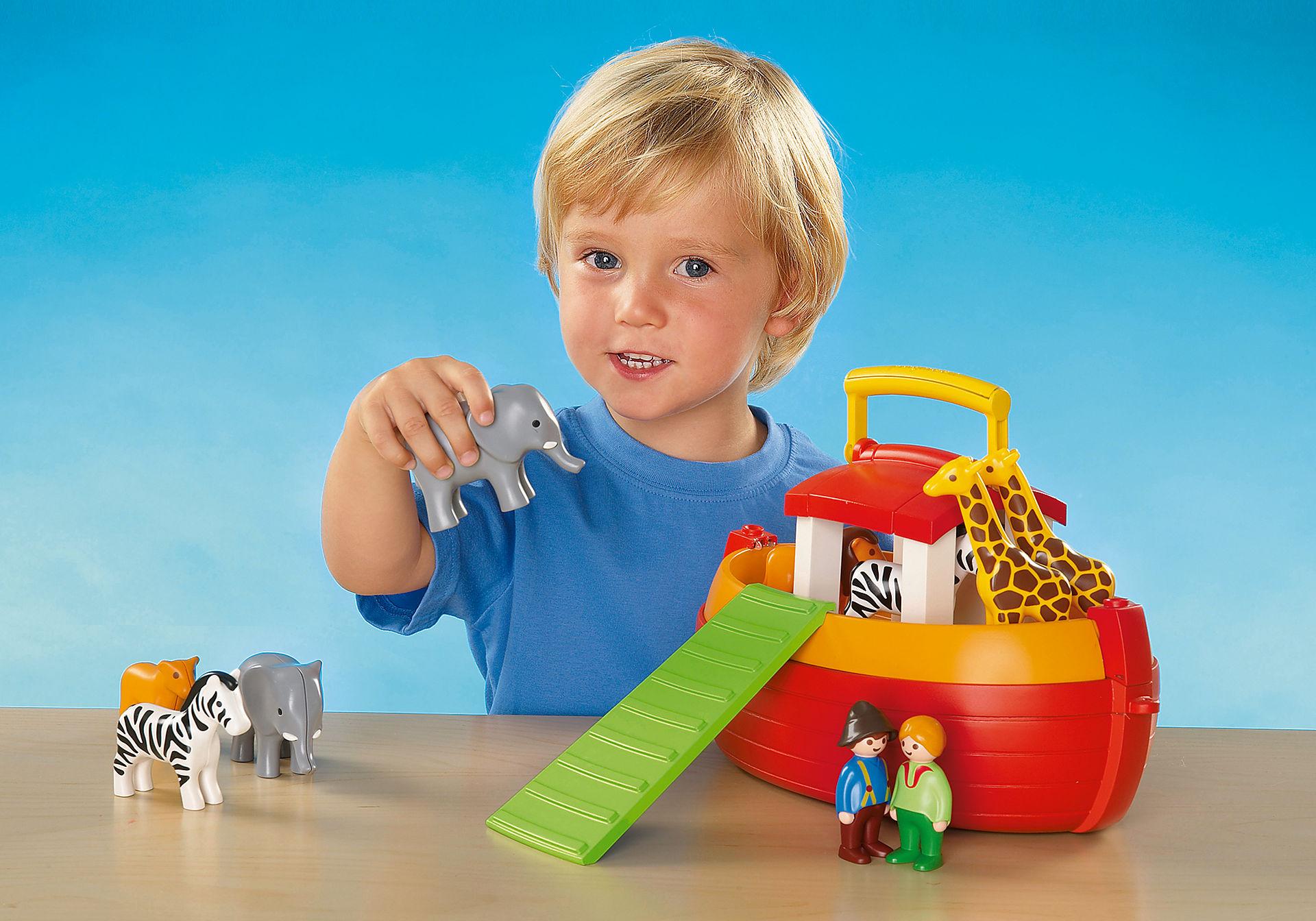 http://media.playmobil.com/i/playmobil/6765_product_extra1/1.2.3 Arca de Noé Maletín