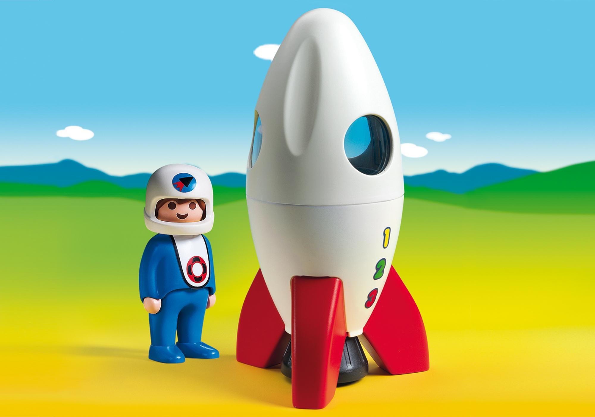 http://media.playmobil.com/i/playmobil/6776-A_product_detail/Mondrakete