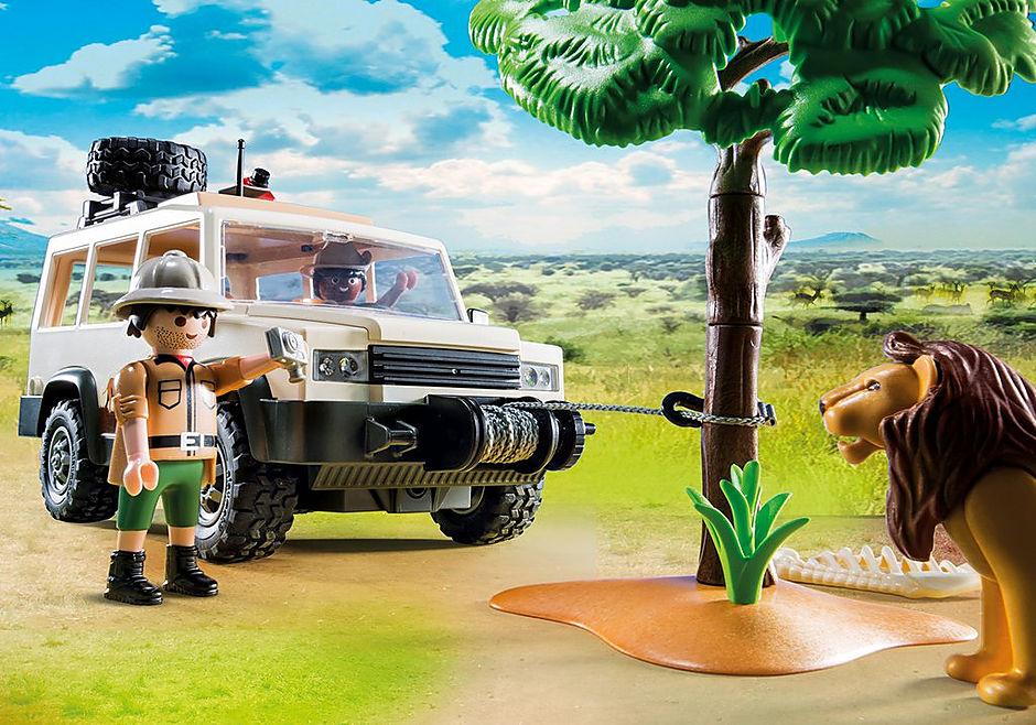 http://media.playmobil.com/i/playmobil/6798_product_extra1/Safari 4x4 met lier