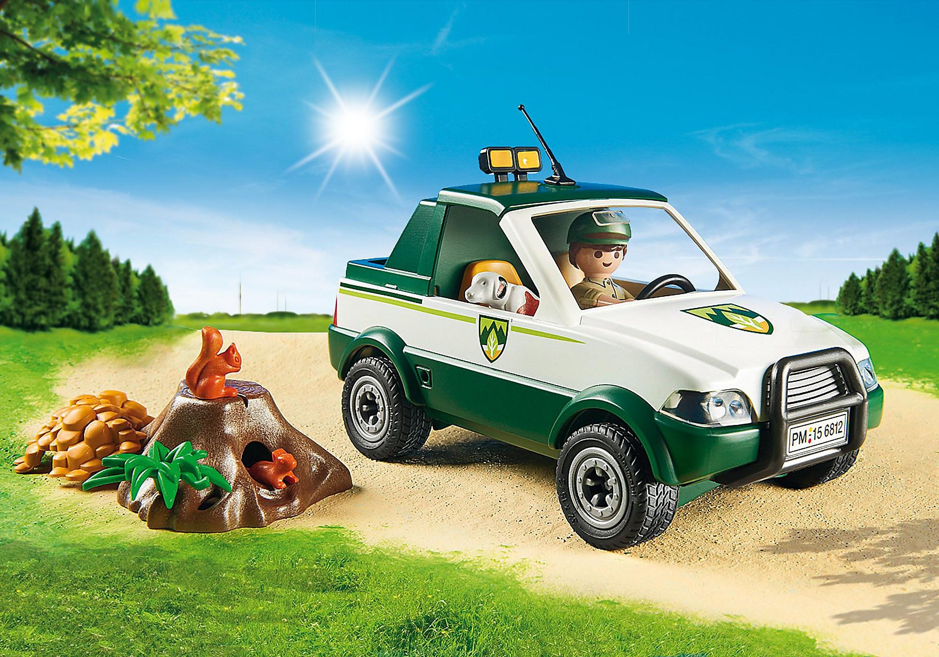 http://media.playmobil.com/i/playmobil/6812_product_extra2/Guardabosque con Pick up