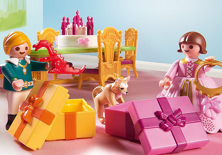 http://media.playmobil.com/i/playmobil/6854_product_extra2/Salle à manger pour anniversaire princier