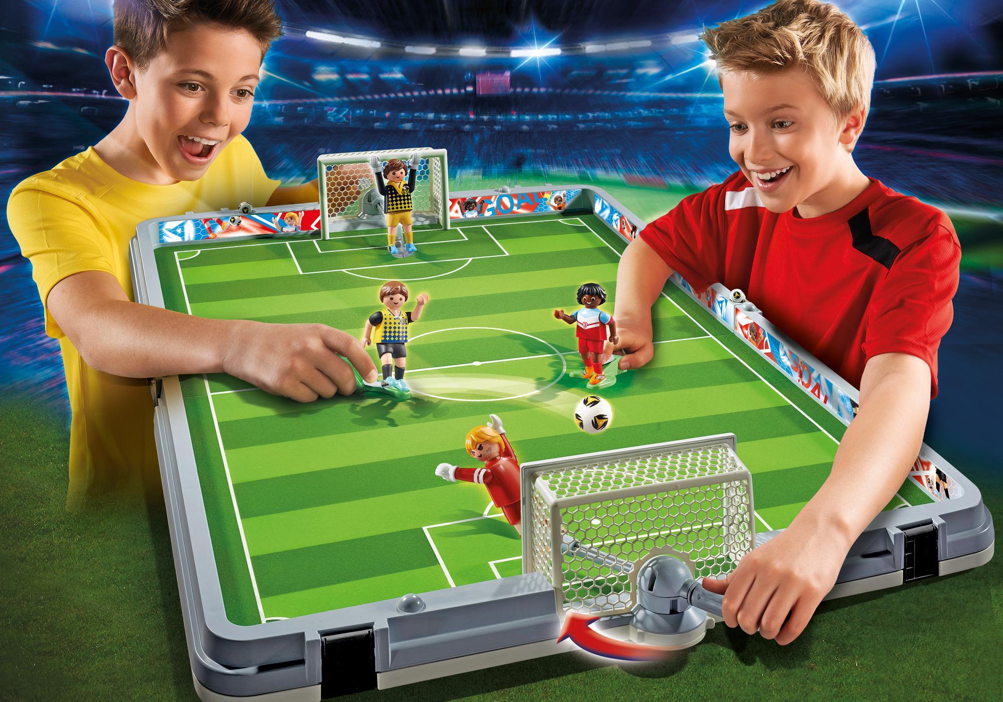 http://media.playmobil.com/i/playmobil/6857_product_detail/Mala Campo de Futebol