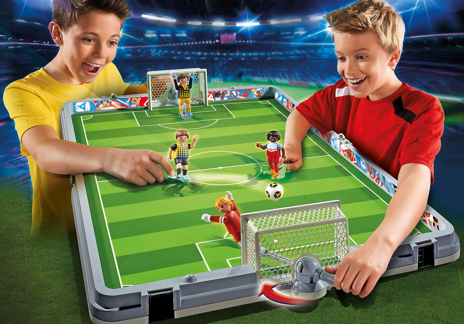 http://media.playmobil.com/i/playmobil/6857_product_detail/Set de Fútbol Maletín