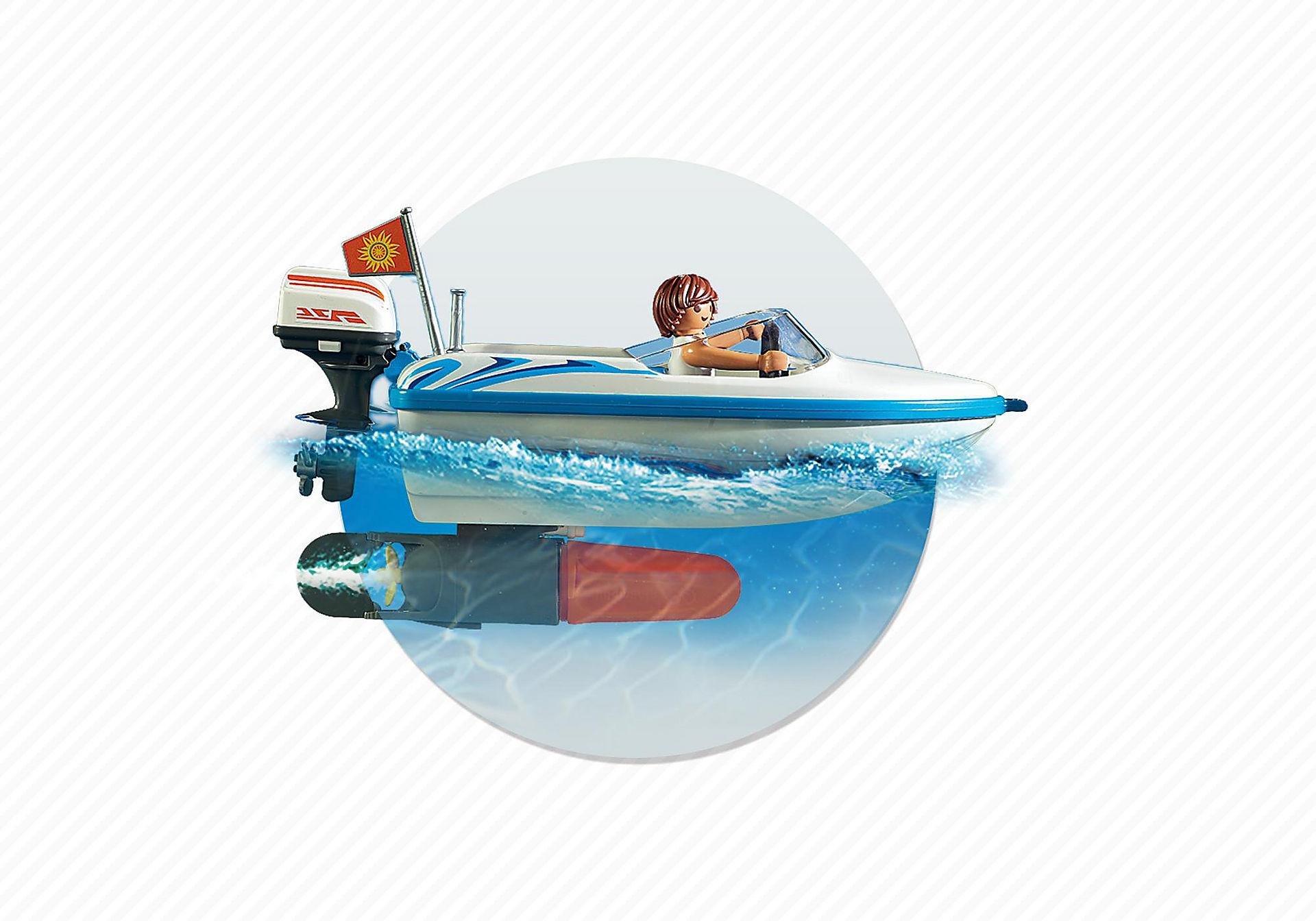6864 Voiture  avec bateau et moteur submersible  zoom image8