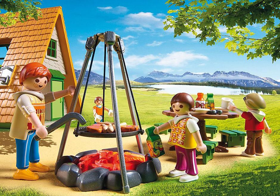 http://media.playmobil.com/i/playmobil/6887_product_extra4/Casa vacanze con area giochi e tavoli da pic-nic