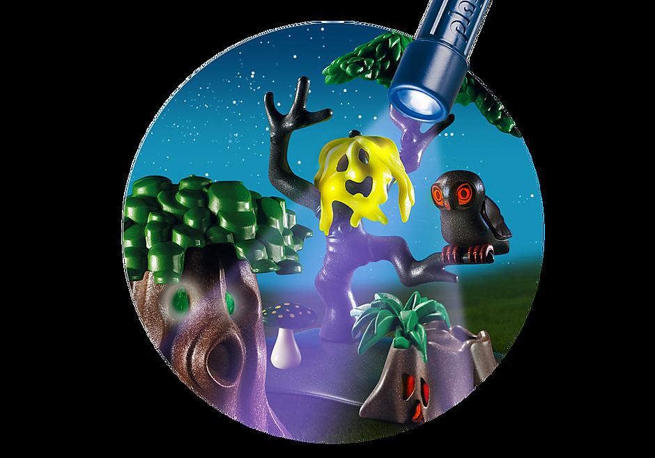 6891 Enfants avec végétation et lampe torche  detail image 7