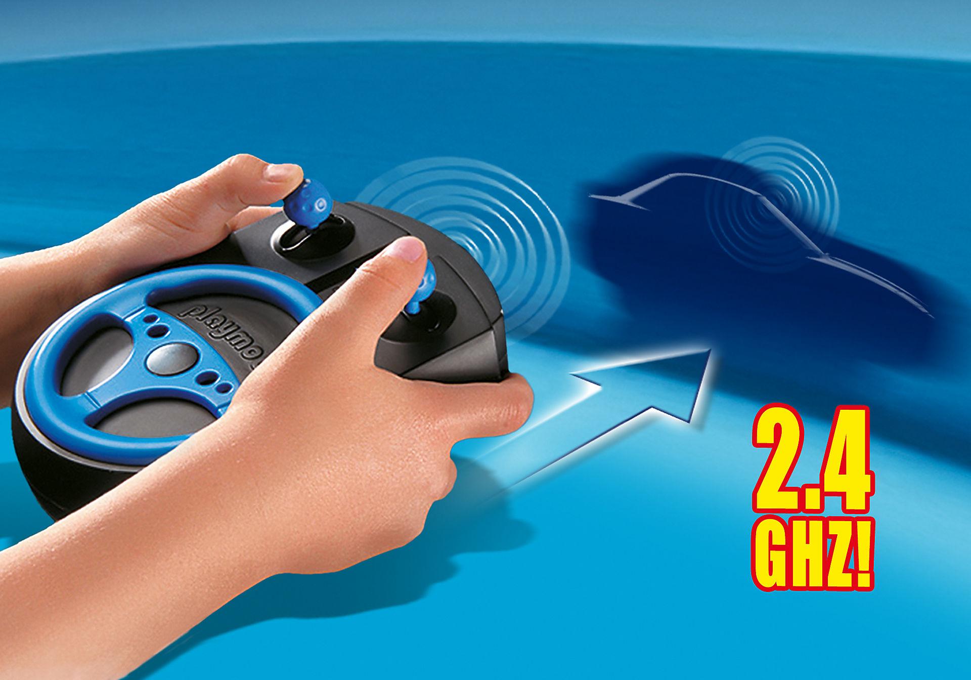 http://media.playmobil.com/i/playmobil/6914_product_extra2/RC Σετ Τηλεκατεύθυνσης