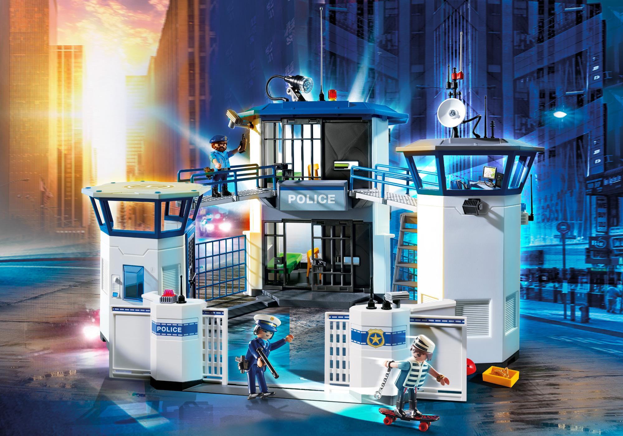 http://media.playmobil.com/i/playmobil/6919_product_detail/Int. Polizei-Kommandozentrale mit Gefängnis