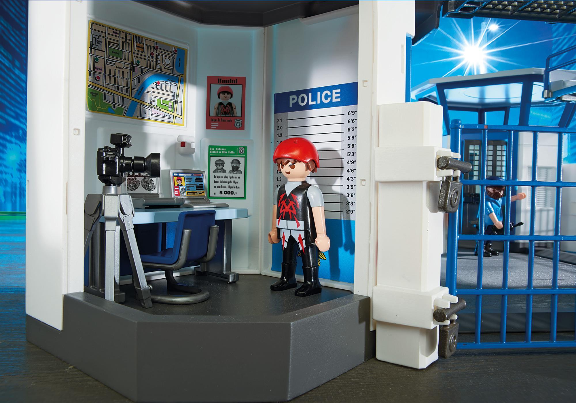 http://media.playmobil.com/i/playmobil/6919_product_extra2/Int. Polizei-Kommandozentrale mit Gefängnis