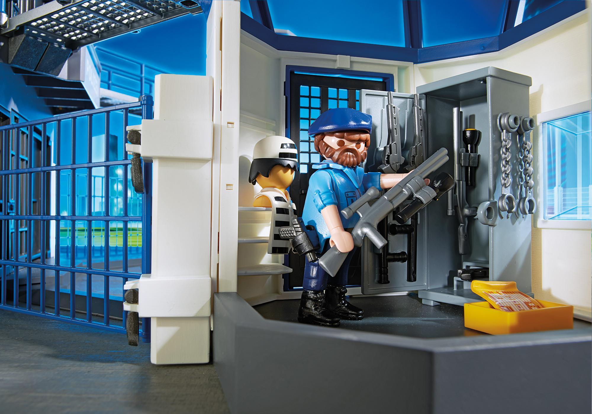 http://media.playmobil.com/i/playmobil/6919_product_extra3/Stazione della polizia con prigione