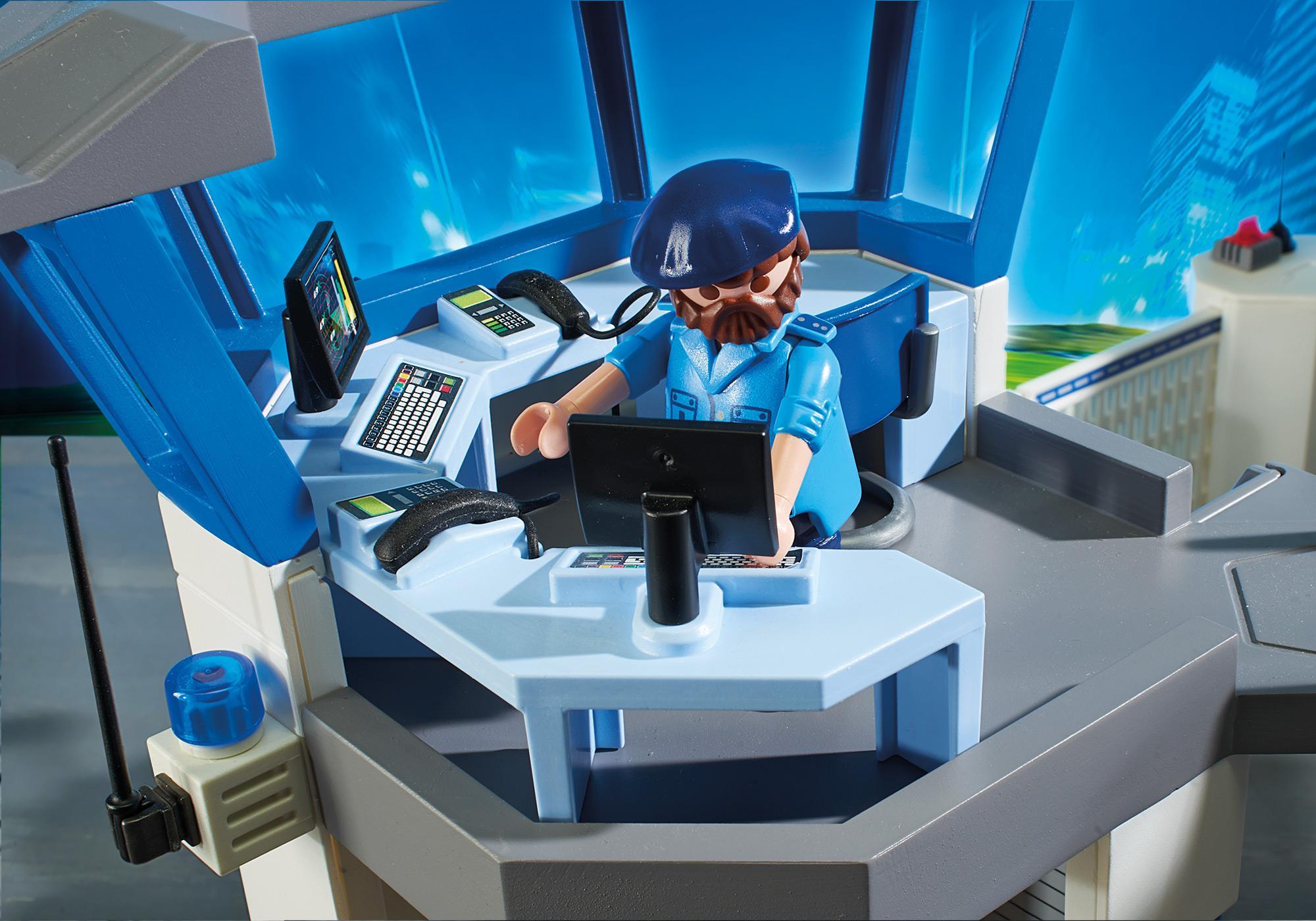 http://media.playmobil.com/i/playmobil/6919_product_extra5/Int. Polizei-Kommandozentrale mit Gefängnis