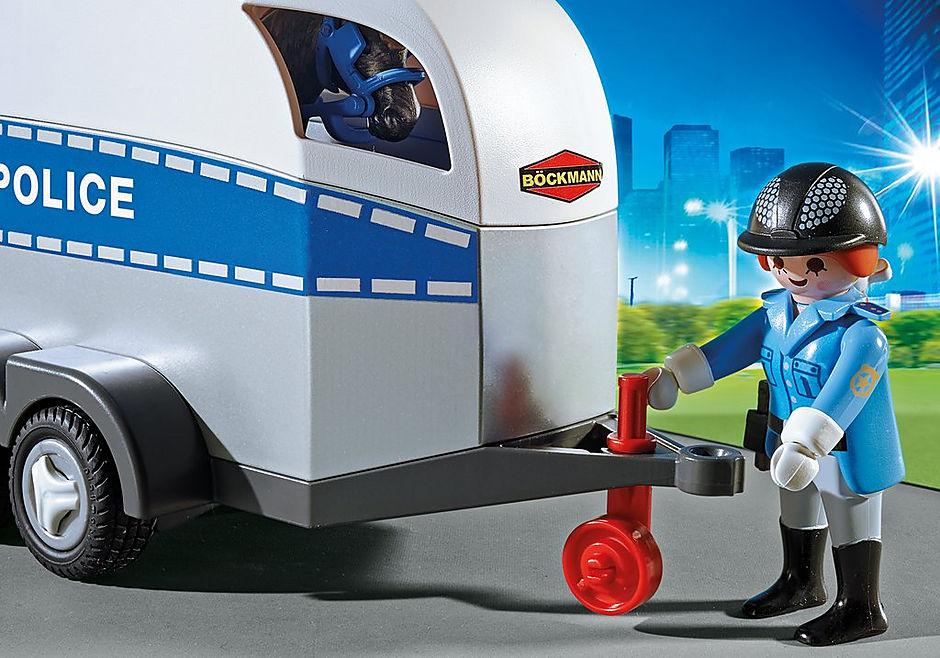 6922 Policière avec cheval et remorque detail image 4