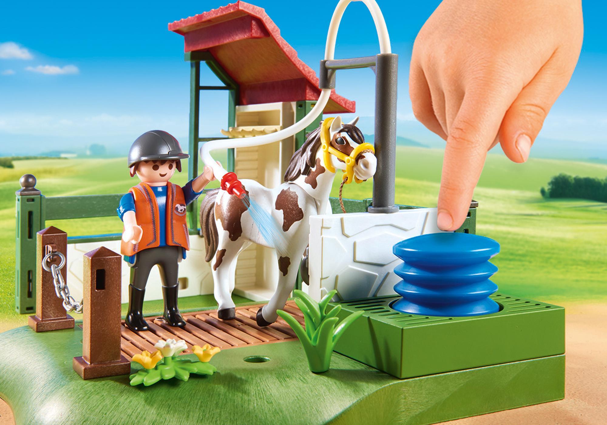 http://media.playmobil.com/i/playmobil/6929_product_extra1/Box de lavage pour chevaux