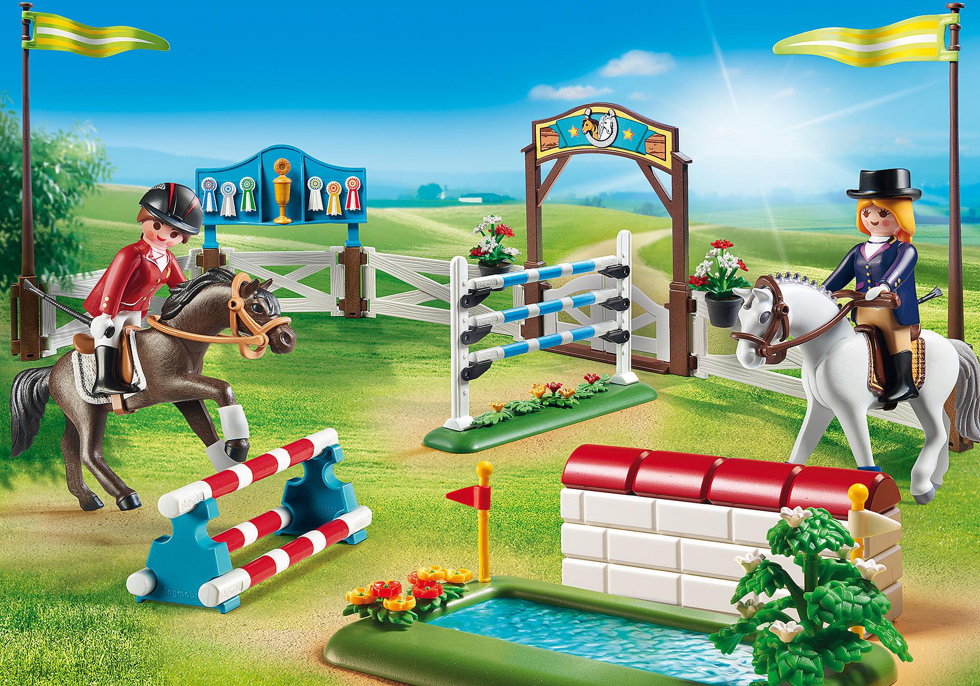 6930 Gara di equitazione zoom image1