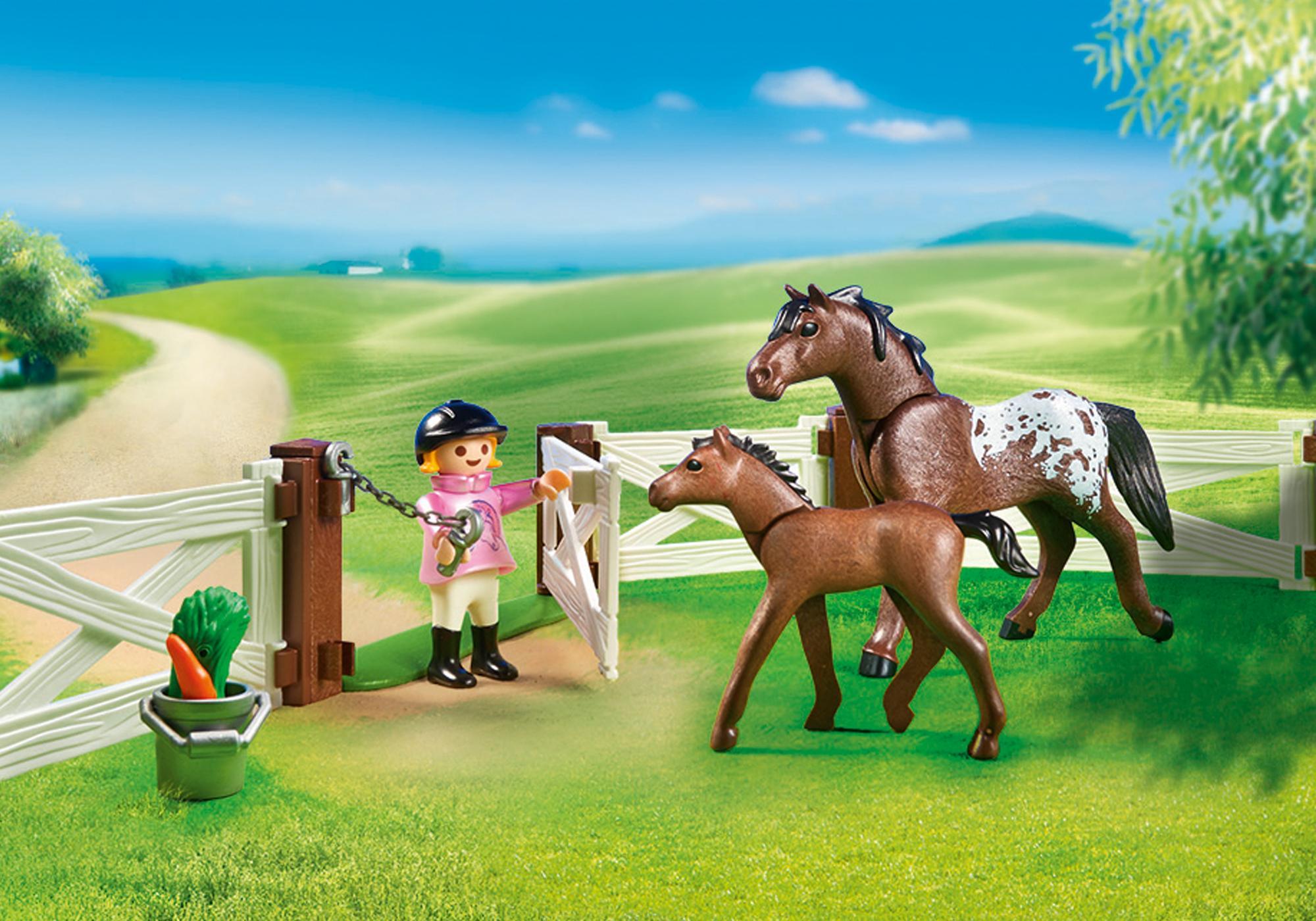 http://media.playmobil.com/i/playmobil/6931_product_extra1/Horse Paddock