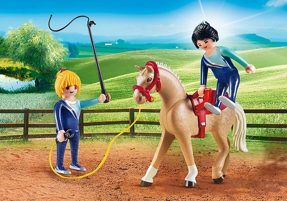 http://media.playmobil.com/i/playmobil/6933_product_detail/Voltigeteam met paard
