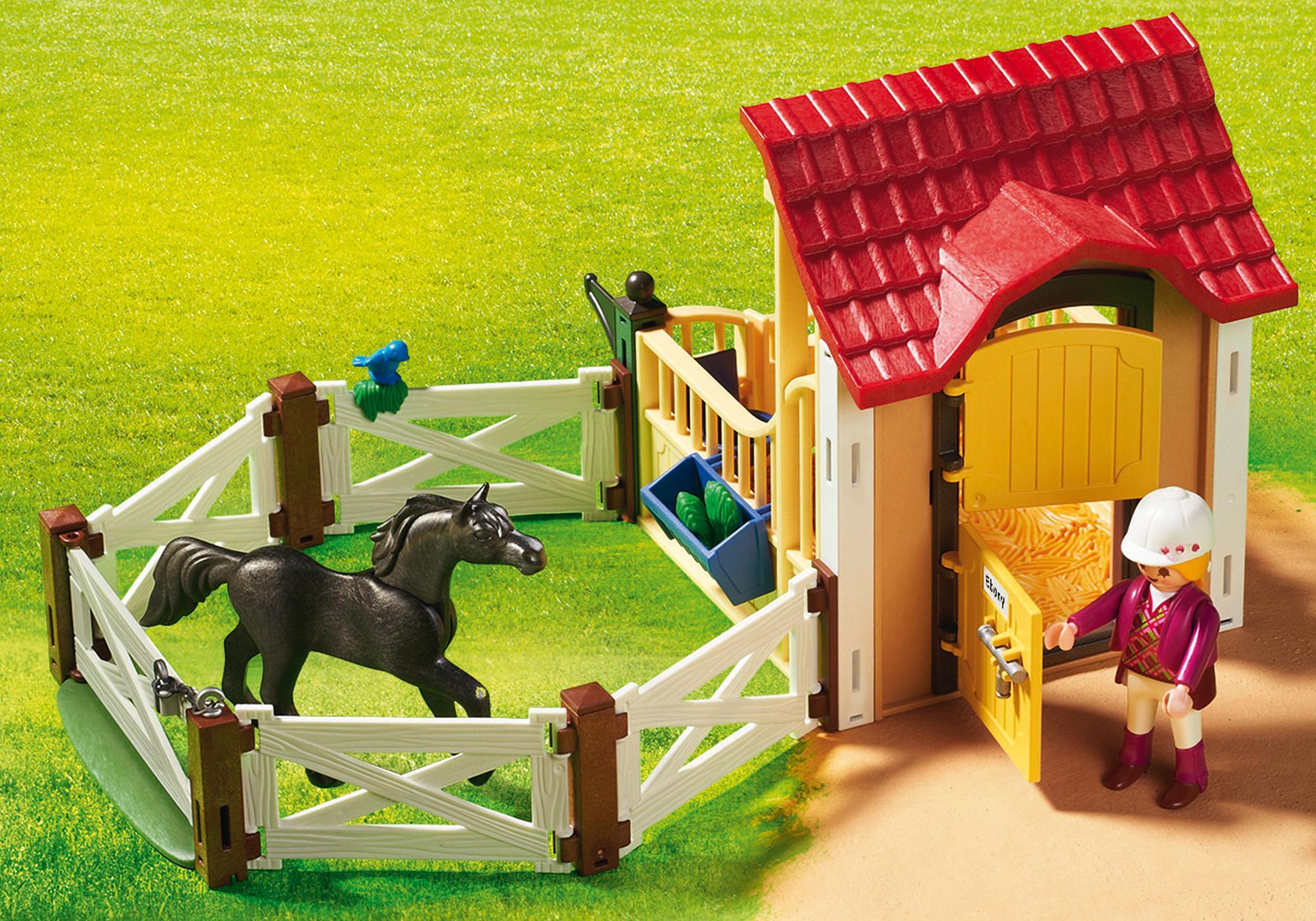 http://media.playmobil.com/i/playmobil/6934_product_extra3/Box avec cavalière et pur-sang Arabe