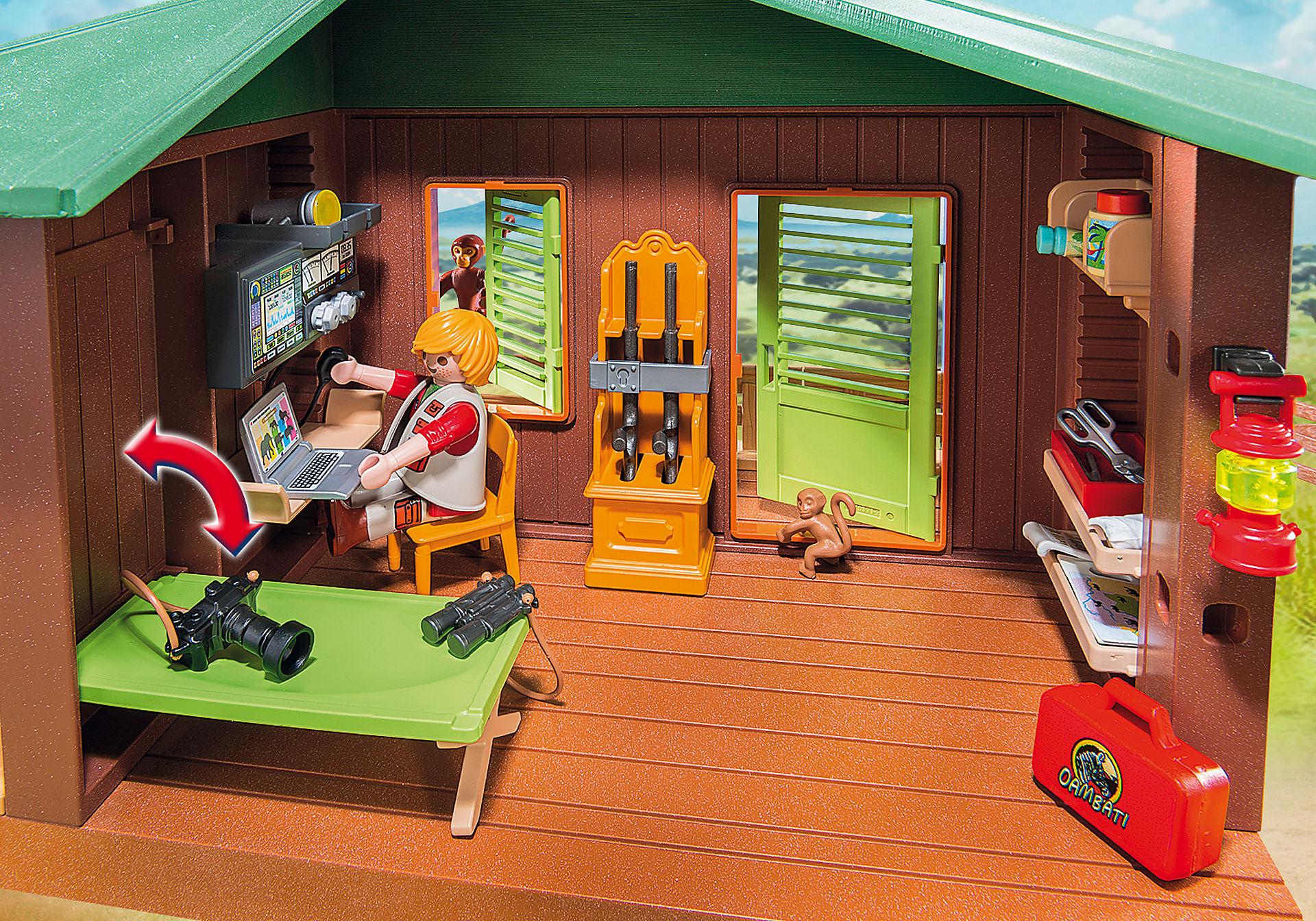 http://media.playmobil.com/i/playmobil/6936_product_extra2/Domek Rangera z hodowlą zwierząt