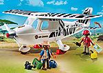 Avion avec explorateurs