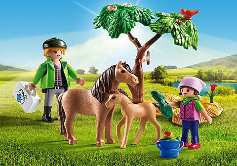 6949_product_detail/Vétérinaire avec enfant et poneys