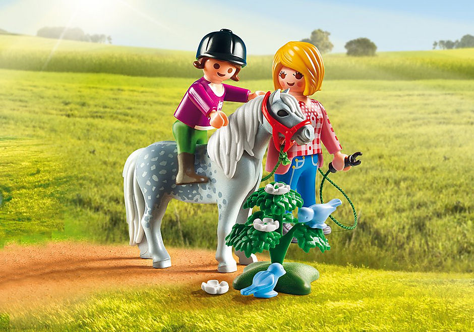 http://media.playmobil.com/i/playmobil/6950_product_detail/Spacer z kucykiem