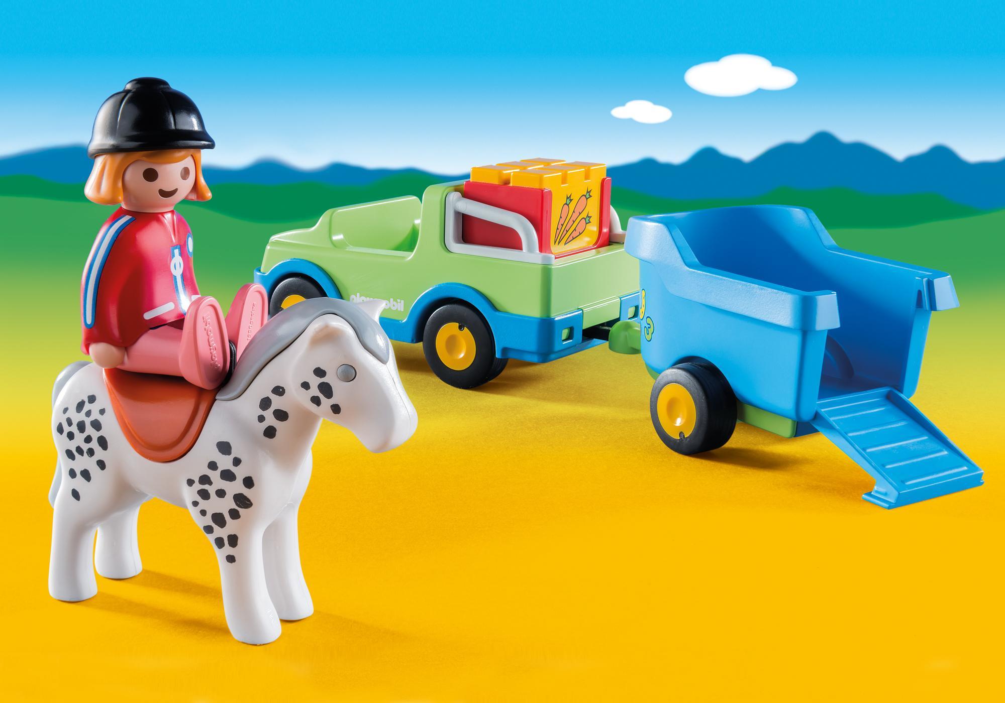 http://media.playmobil.com/i/playmobil/6958_product_extra1/PKW mit Pferdeanhänger
