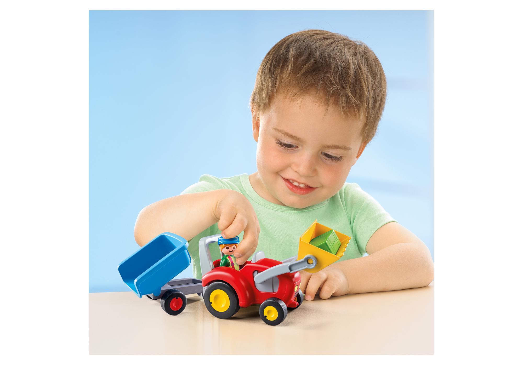 http://media.playmobil.com/i/playmobil/6964_product_extra1/1.2.3 Tractor con Remolque