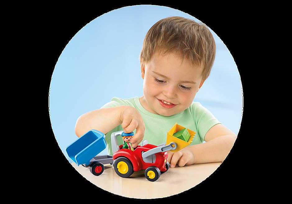6964 Boer met tractor en aanhangwagen detail image 4