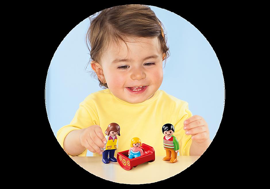 http://media.playmobil.com/i/playmobil/6966_product_extra1/Eltern mit Babywiege