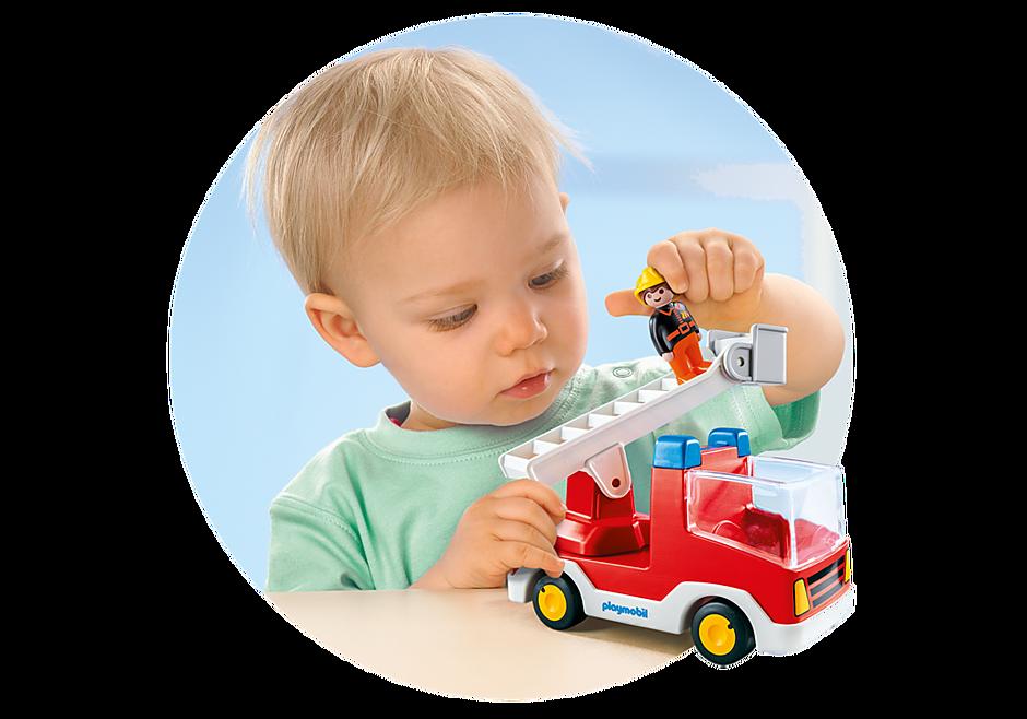 http://media.playmobil.com/i/playmobil/6967_product_extra1/Brandvagn med stege