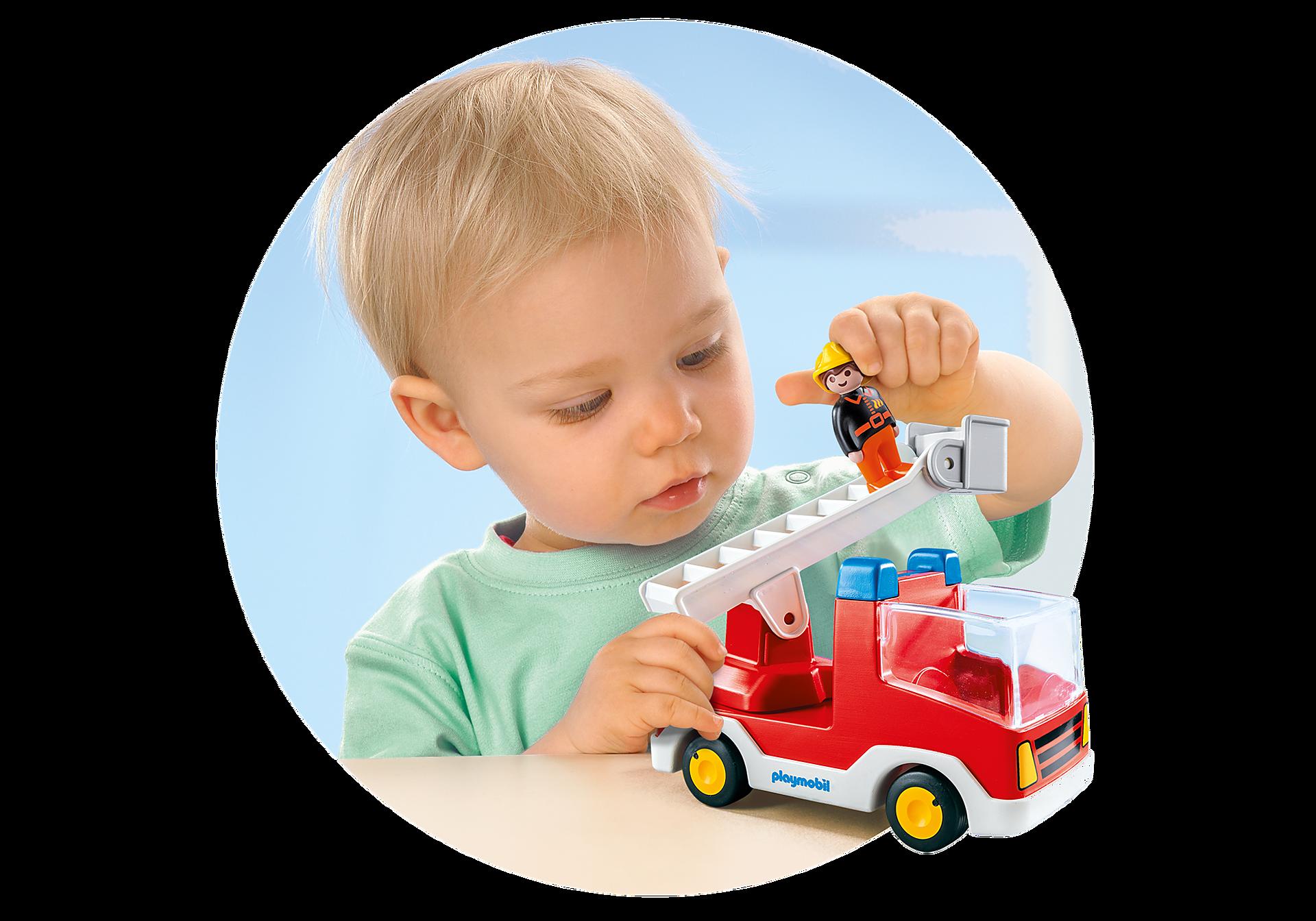 http://media.playmobil.com/i/playmobil/6967_product_extra1/Camion de pompier avec échelle pivotante