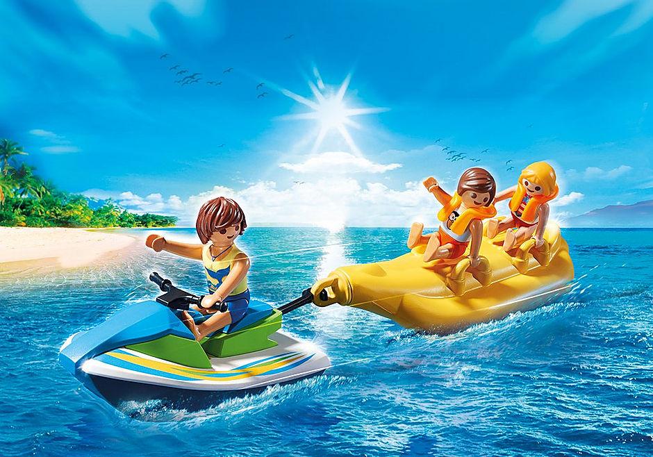 6980 Vacanciers avec scooter des mers et banane detail image 1