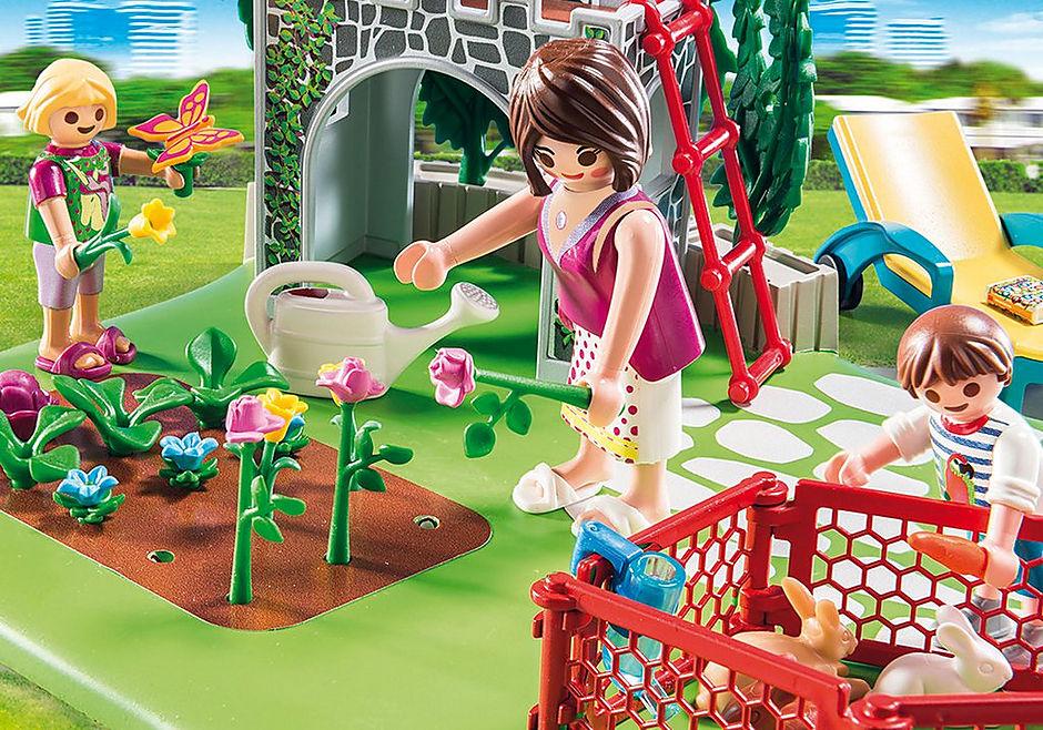 70010 SuperSet Familia en el Jardín detail image 4