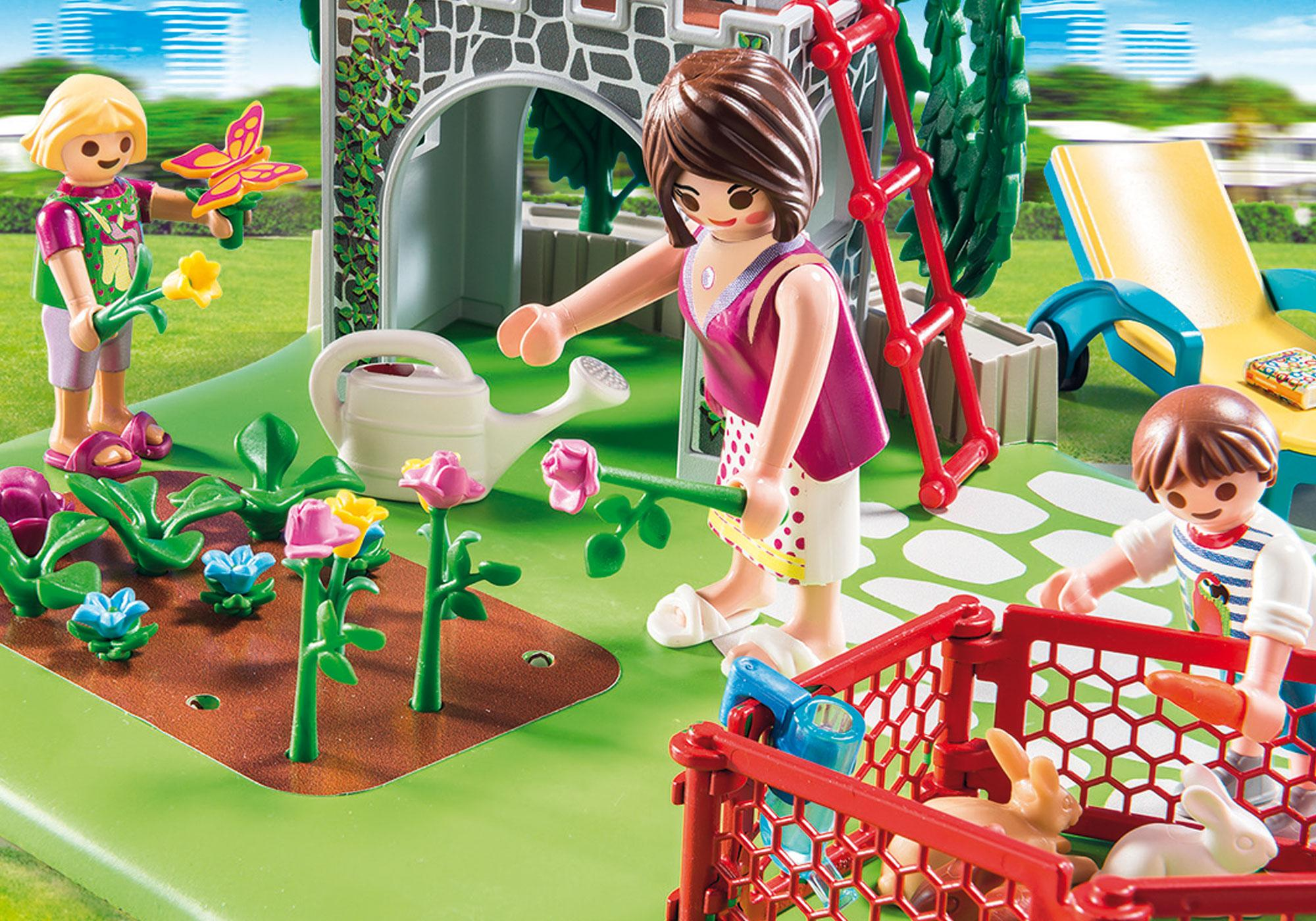 http://media.playmobil.com/i/playmobil/70010_product_extra1/SuperSet Familiehave