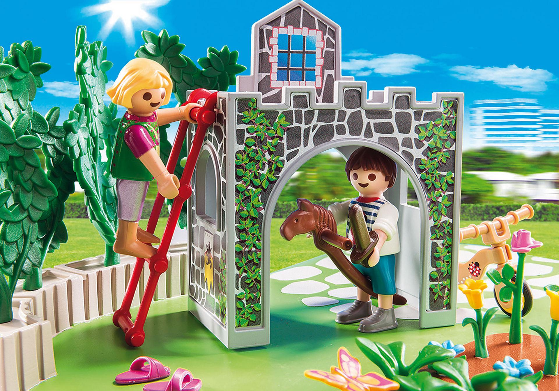 http://media.playmobil.com/i/playmobil/70010_product_extra2/SuperSet Familjeträdgård
