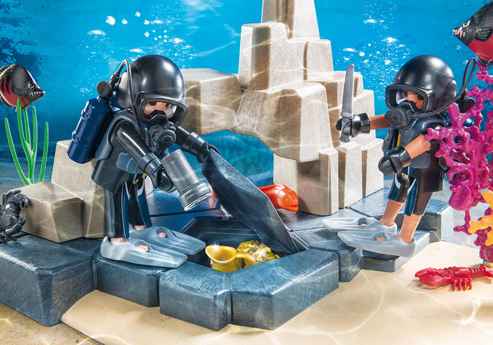 http://media.playmobil.com/i/playmobil/70011_product_extra1/SuperSet Unité de plongée sous-marine