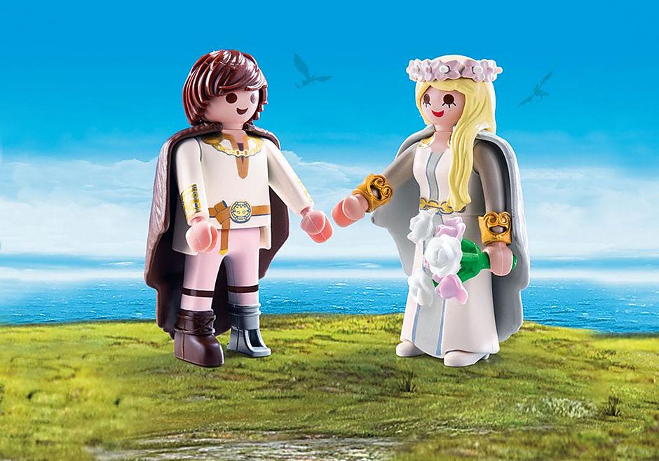 70045 Astrid et Harold en tenue de mariage detail image 1