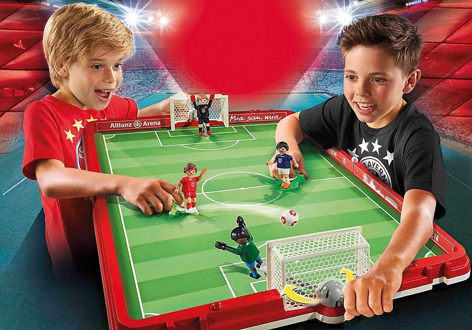 http://media.playmobil.com/i/playmobil/70046_product_detail/FC Bayern Campo da calcio pieghevole