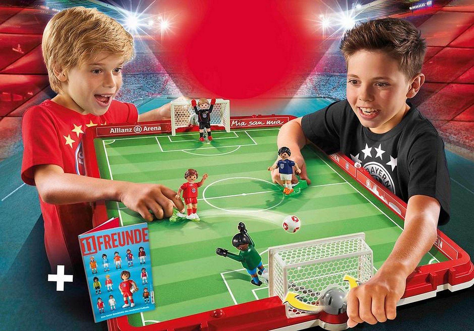 http://media.playmobil.com/i/playmobil/70046_product_detail/FC Bayern München Fußballarena zum Mitnehmen