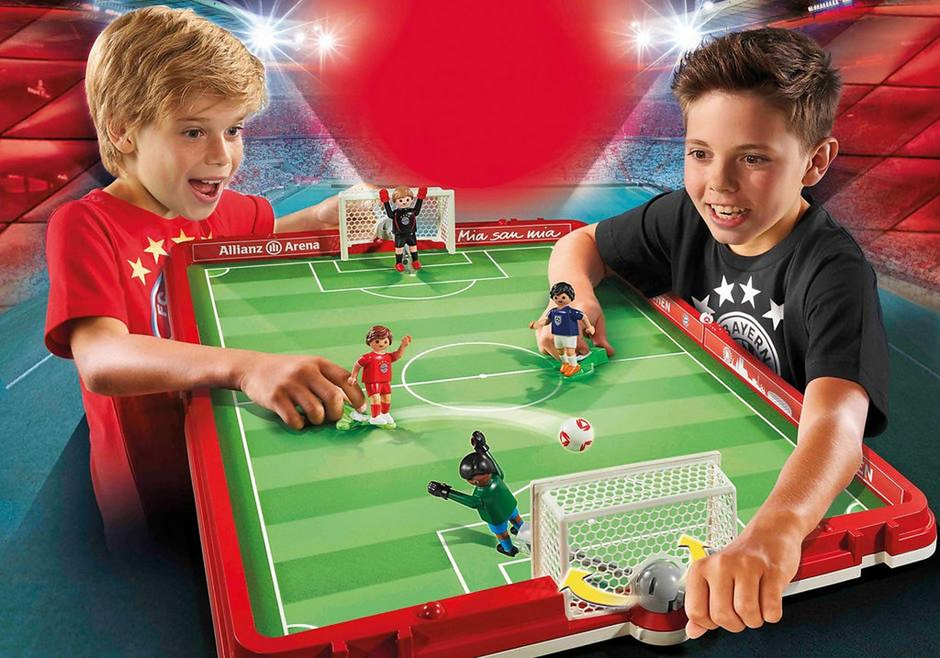 70046 Take Along FC Bayern Soccer Arena zoom image1