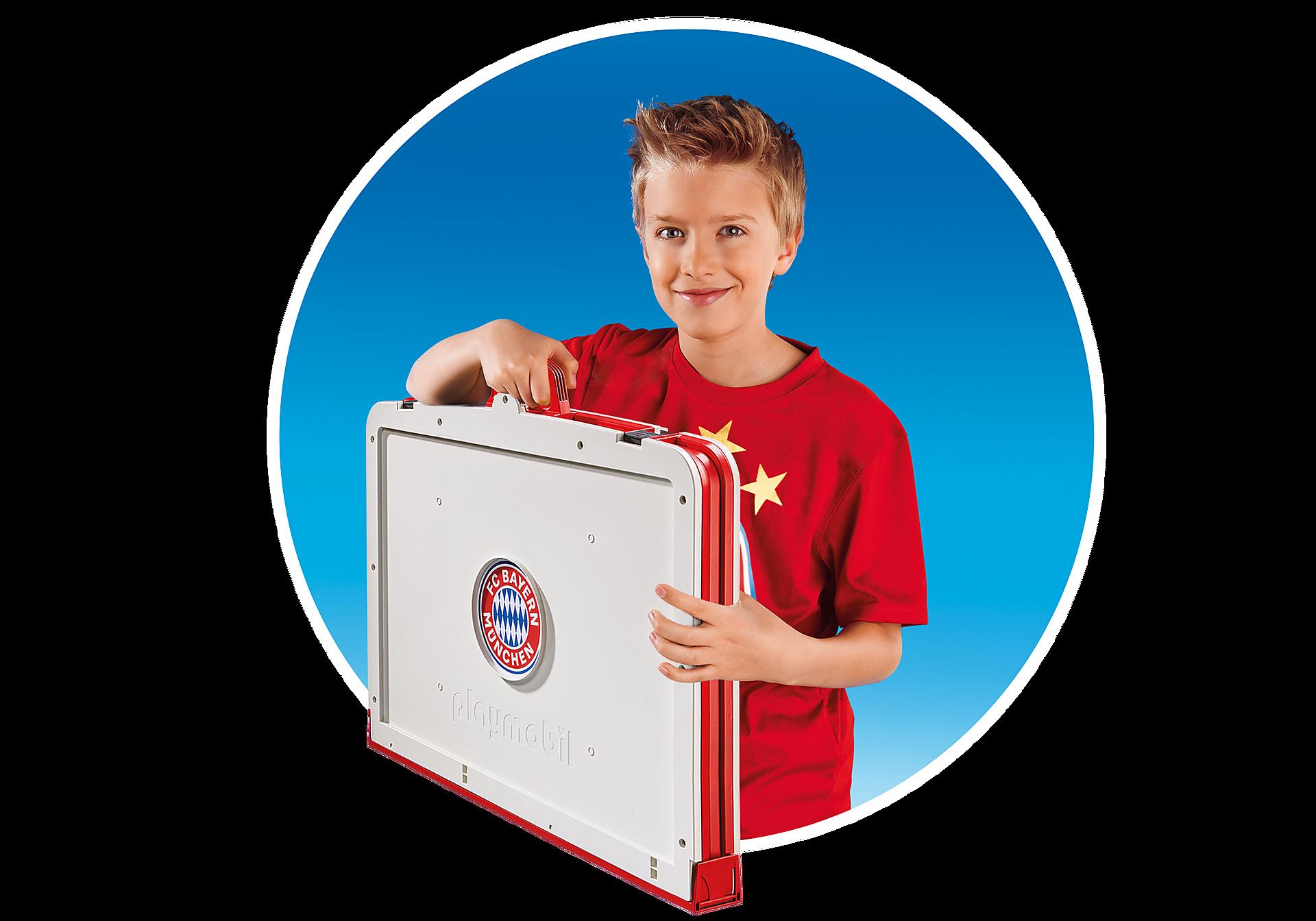 http://media.playmobil.com/i/playmobil/70046_product_extra3/FC Bayern Campo da calcio pieghevole