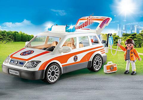70050 Voiture et ambulanciers