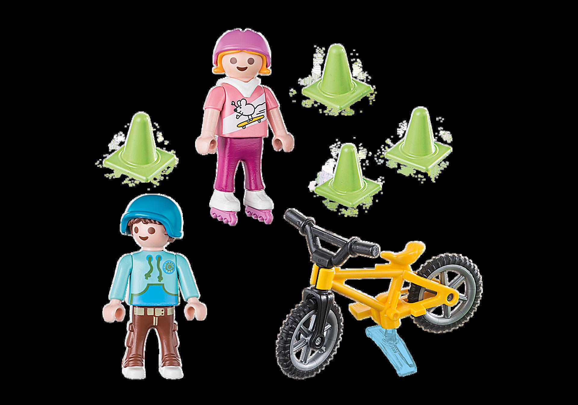 http://media.playmobil.com/i/playmobil/70061_product_box_back/Kinderen met fiets en skates