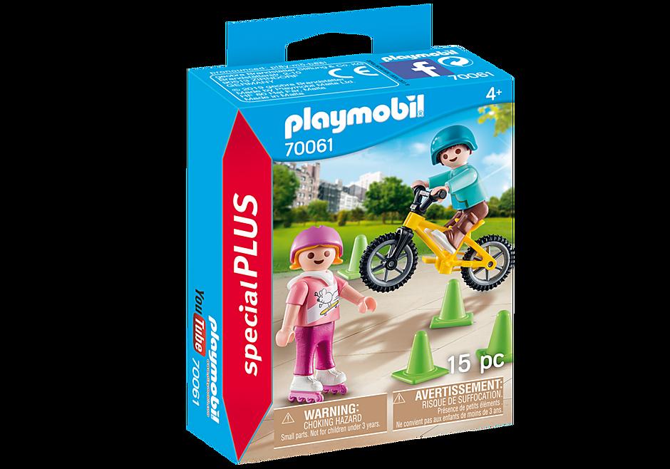 70061 Dzieci na rolkach i rowerze detail image 2