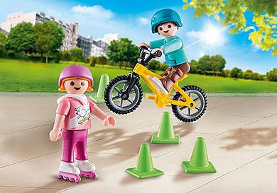 70061 Børn med skøjter og cykel